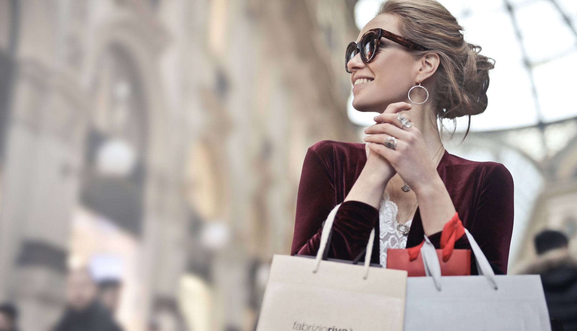 Stay at Hotel Mediolanum and go shopping at Scalo Milano Outlet!